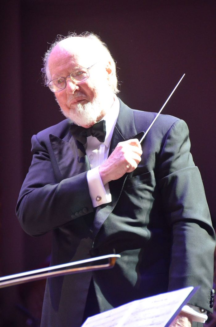 800px-John_Williams_with_Boston_Pops-1
