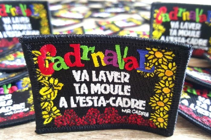 ecusson-carnaval-de-dunkerque-va-laver-ta-moule-monsieur-cadre