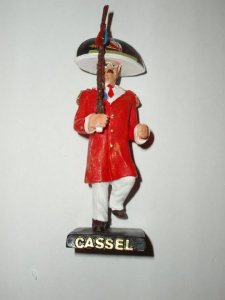 Figurine représentant Bernard Minne, Tambour Major de Cassel.