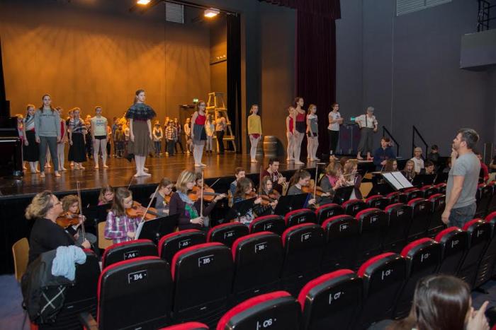 Séance de répétition de Misérables ! à la salle Jean Vilar.