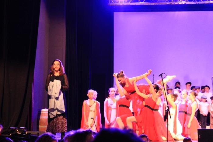 Margot Minne, Fantine, et les danseuses.