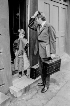 GB. Londres. David OWEN et son fils. Peter Marlow. 1976.