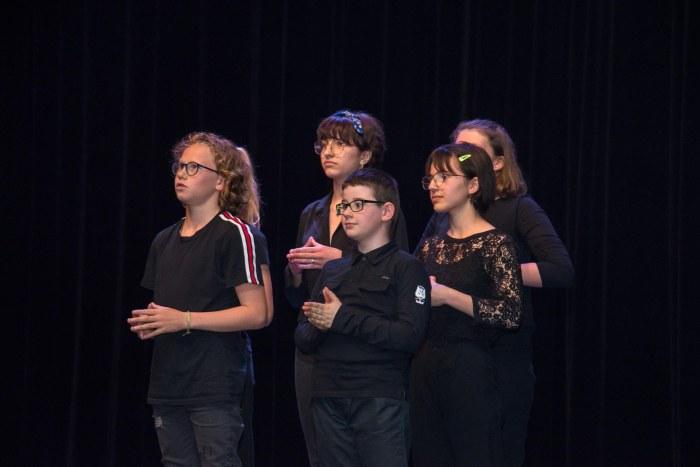 """Elèves de la section """"Pratique collective-Théâtre"""" de l'EMMD."""